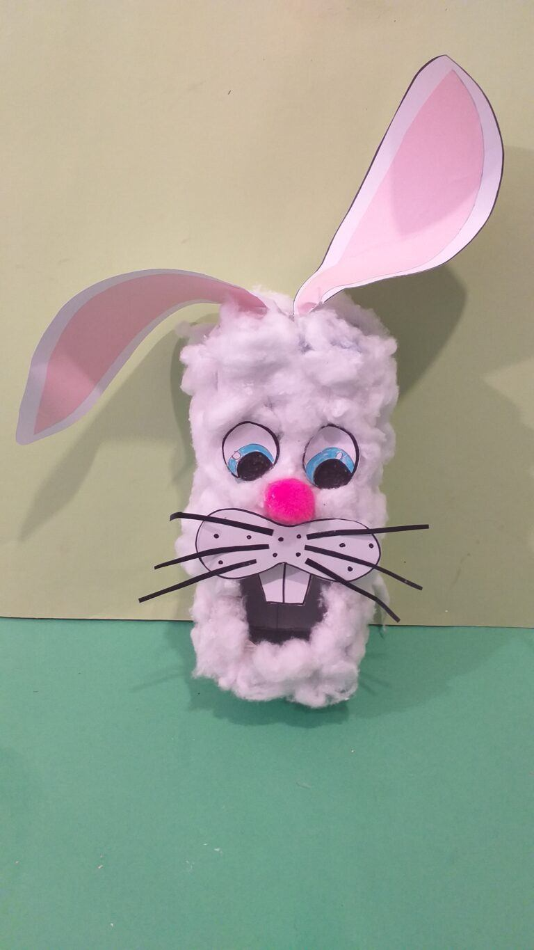 18) Another bunny version, different eyes and whiskers spread out.